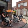 L'atelier du coiffeur (Hazebrouck) fait le buzz en coiffant ses clients sur le trottoir !