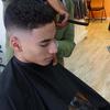 Ce coiffeur innove avec des capes de coupe hallucinantes !