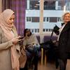 """Une coiffeuse refuse de coiffer les femmes voilées : """"Le hijab, c'est comme le drapeau de l'Etat Islamique""""..."""