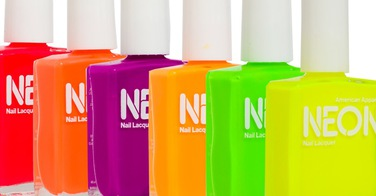 "Le vernis ""Neon"" by American Apparel"