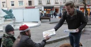 Des pizzas pour les SDF de Lyon à Noël
