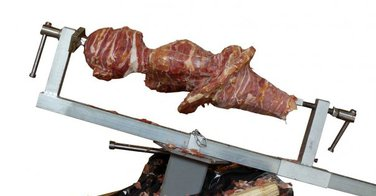 Sculpture sur broche de kebab