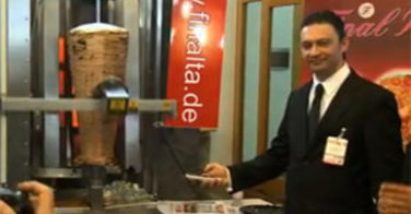 La machine à kebab automatique au Döga