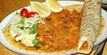 Lahmacun, la pizza turque