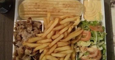 Assiette Grecque Complète - Le Palais du Kebab à Epernon