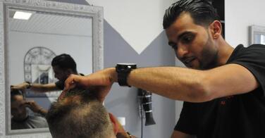 Après la tête de cochon grillé, le coiffeur voit son compte Facebook piraté