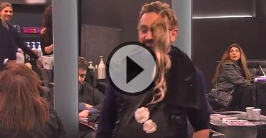 Cyril Hanouna piège les clients d'un salon de coiffure... et c'est très drôle !!!