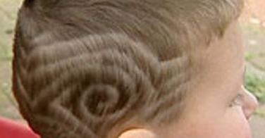 Renvoyé de l'école pour sa coupe de cheveux