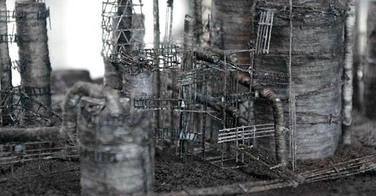 Des maquettes de zones industrielles réalisées avec des cheveux