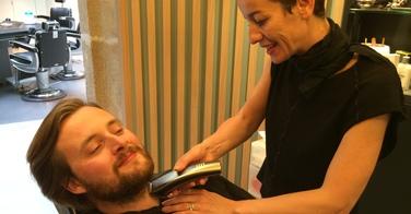 Une taille de barbe chez La Barbière de Paris