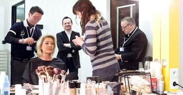 Les cadres du FN harcèlent le coiffeur de Marine Le Pen parce qu'il est gay
