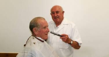 A 69 ans, ce coiffeur risque la prison... Une histoire hallucinante !