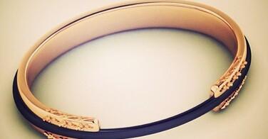Ce bracelet porte élastique à cheveux va changer votre vie !