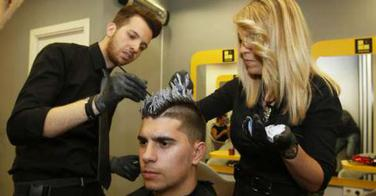 La coupe de cheveux de Griezmann devient un phénomène de mode en Espagne !