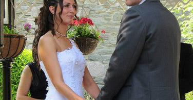 A quelques jours de son mariage, il lui arrive quelque chose d'affreux à ses cheveux !