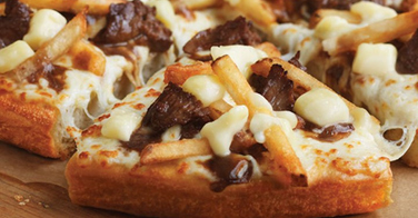 Pizza Hut lance la Pizza Poutine au Canada